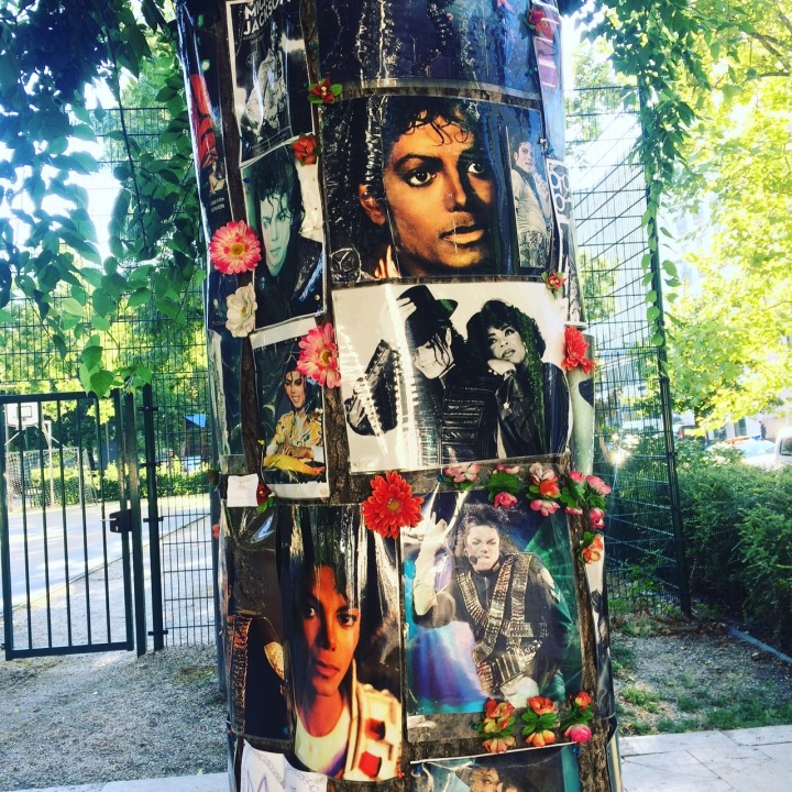 Michael Jackson memorial tree Budapest